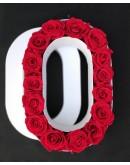 Kutija s poklopcem u obliku slova O.